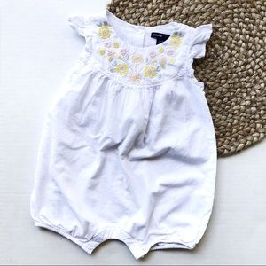 BabyGap | 12-18M White Floral Embroidered Romper